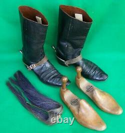 19th CENT' VICTORIAN OFFICERS MESS DRESS BOOTS SPURS & WOODEN SHOE TREES + PLUME
