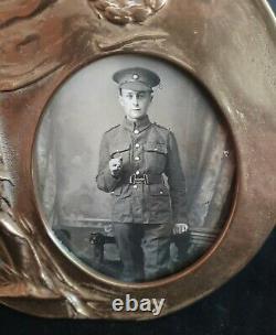 World War-1 Studio Photo of a British Infantryman in a Death Penny-style Frame