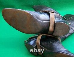 19e Cent' Officiers Victoriennes Mess Mess Boots Spurs & Wooden Shoe Tres + Plume